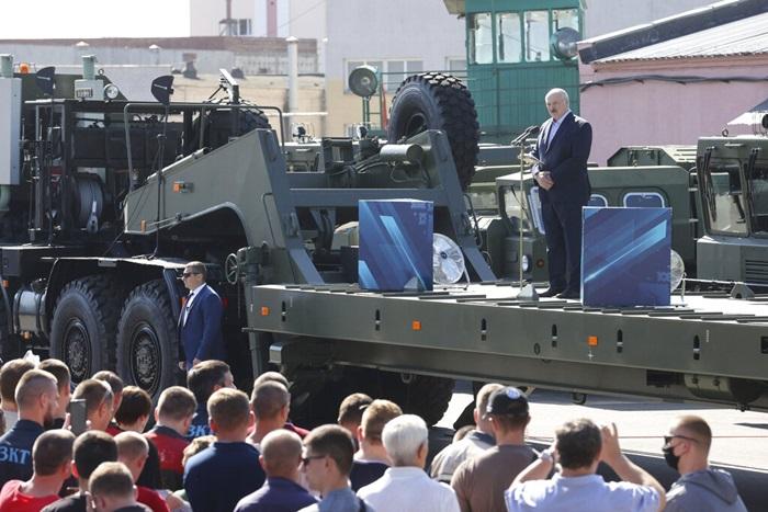 ปธน.เบลารุสถูกคนงานโห่ขับไล่ ขณะการนัดหยุดงานประท้วงกำลังขยายตัว ถึงแม้กังวล'รัสเซีย'ส่งทหารเข้าแทรกแซง