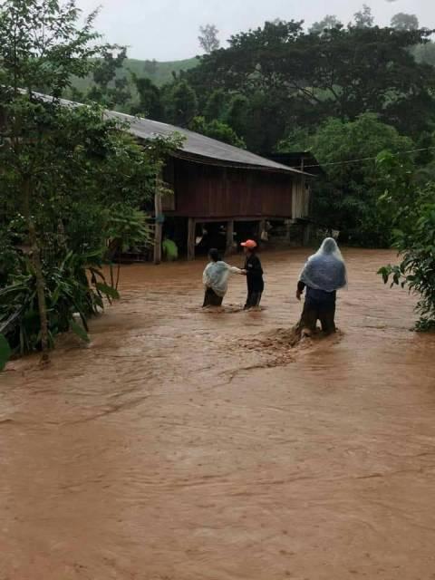 สลด!น้ำป่าทะลักท่วม 4 อำเภอเมืองน่าน ชาวบ้านถูกกระแสน้ำพัดสังเวยชีวิตแล้ว 1