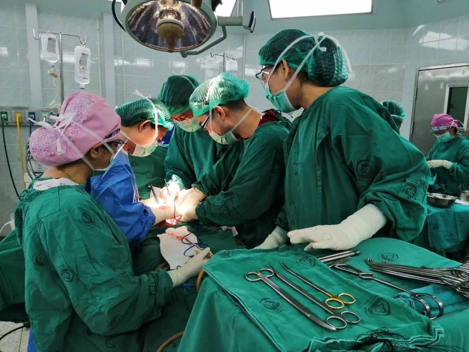 ชื่นชม! ทีมแพทย์ รพ.พุทธชินราช ปลูกถ่ายอวัยวะจากผู้บริจาคสมองตายได้สำเร็จ