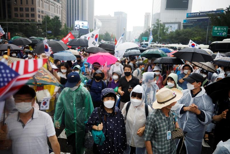'เกาหลีใต้' จ่อยกระดับคุมเข้มทั่วประเทศ หลังโควิด-19 กลับมาระบาดหนักในโซล