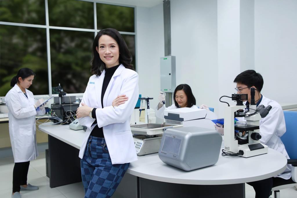 """ดร.สมชาย มุ่ง """"ไบโอเทคโนโลยี"""" โชว์สิทธิบัตร""""ยามะเร็ง""""จ่อสกินแคร์"""
