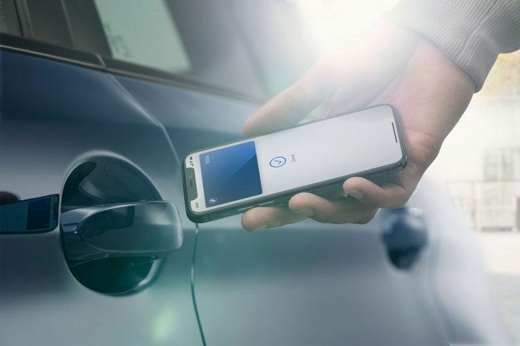 สุดล้ำ !!! BMW Digital Key เปลี่ยน iPhone เป็นกุญแจรถ