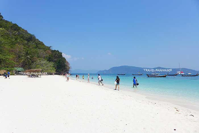 """ชู """"ภูเก็ตโมเดล"""" นำร่องรับต่างชาติเที่ยวเมืองไทย คาดดีเดย์ 1 ต.ค.นี้"""