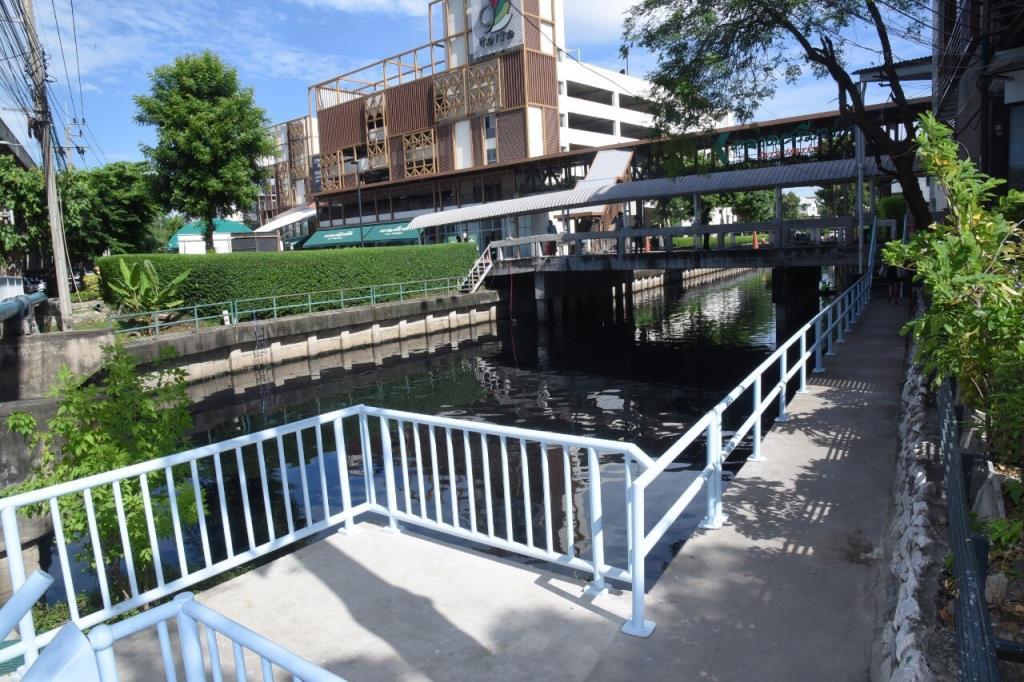 กทม. ปรับปรุงทางเดินลอดใต้สะพานถนนพระราม 9 สร้างความสะดวกและเพิ่มความปลอดภัยให้ประชาชน