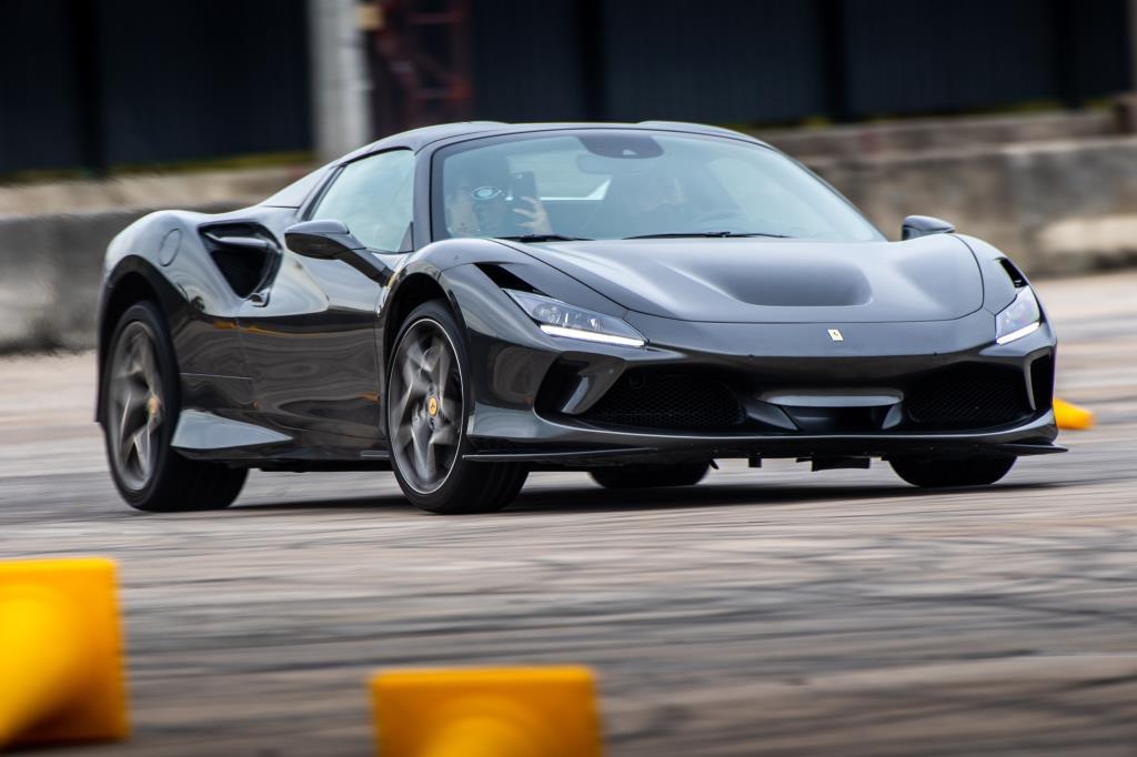 ชิมลาง Ferrari F8 Spider  แรงอย่างเนียนในแบบที่ต้องการ