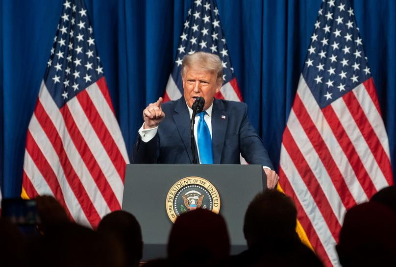 ประธานาธิบดี โดนัลด์ ทรัมป์ แห่งสหรัฐฯ กล่าวปราศรัยในคืนแรกของการประชุมใหญ่พรรครีพับลิกัน หลังได้รับการเสนอชื่อเป็นผู้แทนพรรคลงชิงประธานาธิบดีสมัยที่ 2 อย่างเป็นทางการ ณ เมืองชาร์ล็อตต์ รัฐนอร์ทแคโรไลนา เมื่อวันที่ 24 ส.ค. ที่ผ่านมา