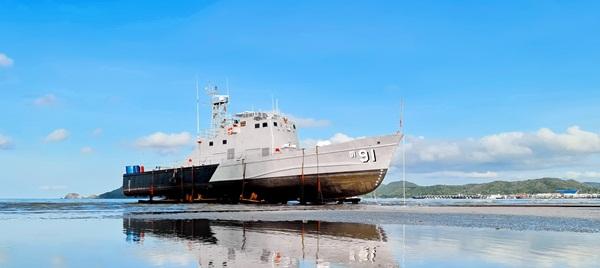 กองทัพเรือ  เคลื่อนย้ายเรือตรวจการณ์ใกล้ฝั่ง ต.91 สู่พื้นที่อุทยานประวัติศาสตร์ฯ