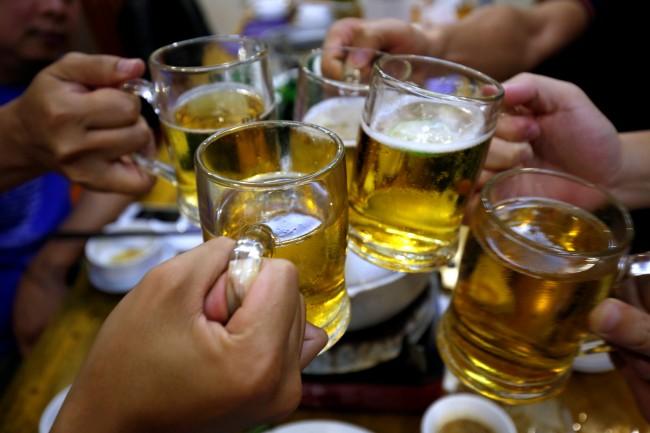 ห้ามแต่เหล้ามานาน..เวียดนามได้ฤกษ์ออกคำสั่งห้ามขายเบียร์เด็กอายุต่ำกว่า 18 ปี เริ่มต.ค.นี้