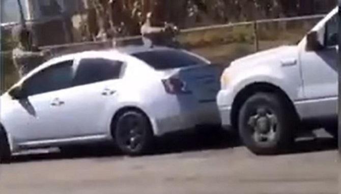 อีกแล้ว!คลิปตำรวจสหรัฐฯเหี้ยมรัว20นัดยิงคนดำตายอีกศพ  ชาวแอลเอเดือดชุมนุมประท้วง(ชมวิดีโอ)