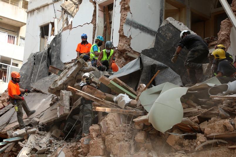 ลุ้นปาฏิหาริย์! กู้ภัยเลบานอนพบ 'สัญญาณชีพ' ใต้ซากตึกถล่มจากเหตุระเบิด 'เบรุต'