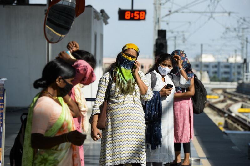 สุดอ่วม! 'อินเดีย' ติดโควิดใหม่กว่า 9 หมื่น ป่วยสะสมทะลุ 4.2 ล้าน แซง 'บราซิล' ขึ้นที่ 2 ของโลก