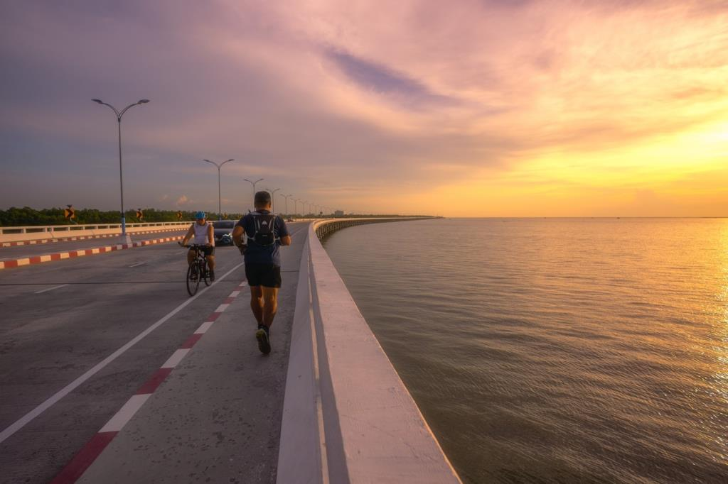 """ยผ.จับมือ อบจ.ชลบุรี เปิดแลนด์มาร์คแห่งใหม่ """"สะพานชลมารควิถีฯ"""" รับการท่องเที่ยวจังหวัด"""