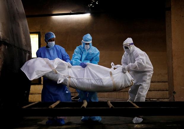ยอดตายโควิด-19ทั่วโลกทะลุ9แสนคน ศูนย์กลางระบาดย้ายสู่อินเดีย,ยุโรปเจอระลอกสองแล้ว