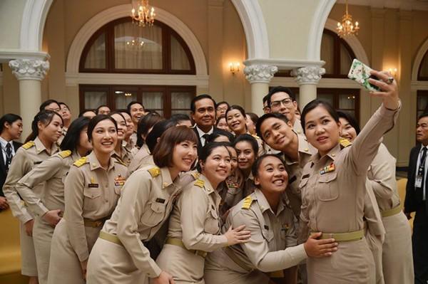 """ผ่าตัดใหญ่ราชการไทย 2.3 ล้านคน อุดงบประมาณรั่ว ปิดช่อง """"เช้าชามเย็นชาม"""""""