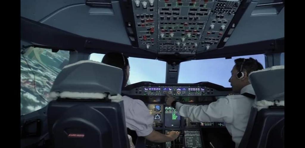 """การบินไทยเปิด""""ห้องจำลองการบิน""""จัดแพ็กเกจให้ทดลองขับเครื่องบิน หารายได้เสริม"""