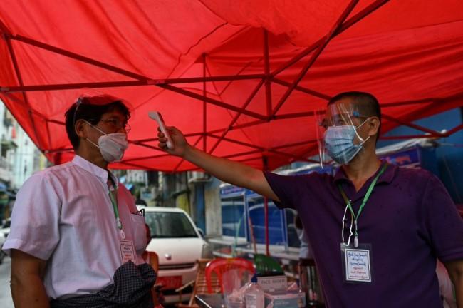 พม่าโควิดระบาดไม่หยุดเจอติดเชื้อใหม่รวดเดียว 201 คน ยอดสะสม 2,796 คน