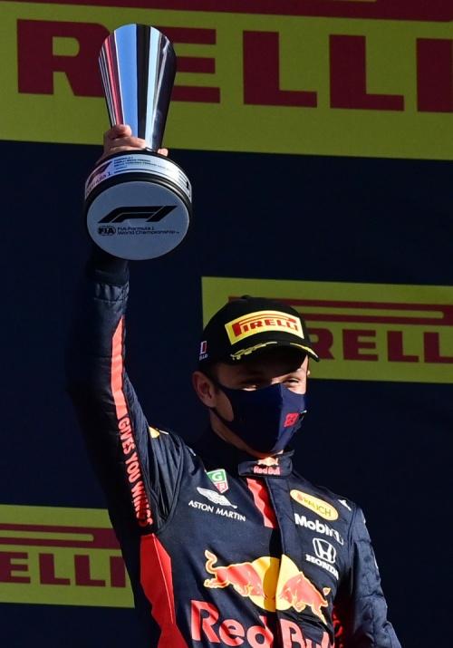 """(คลิป) วินาที """"อัลบอน"""" นักแข่งไทยคนแรกขึ้นโพเดียม F1 ที่อิตาลี"""