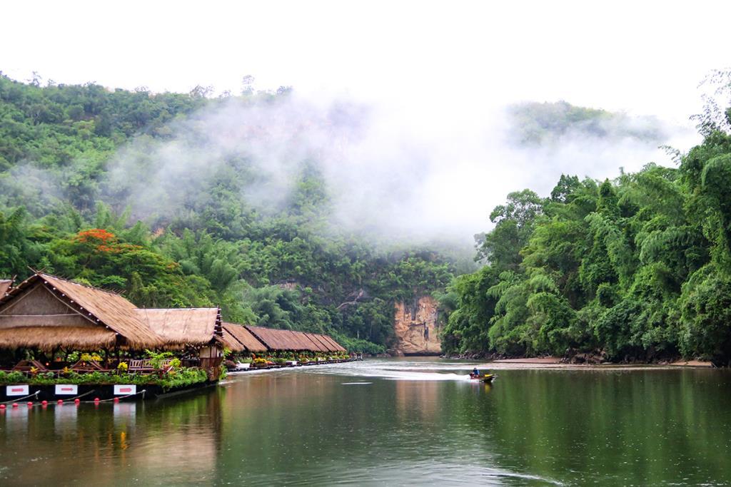 พักผ่อนท่ามกลางธรรมชาติที่กาญจนบุรี