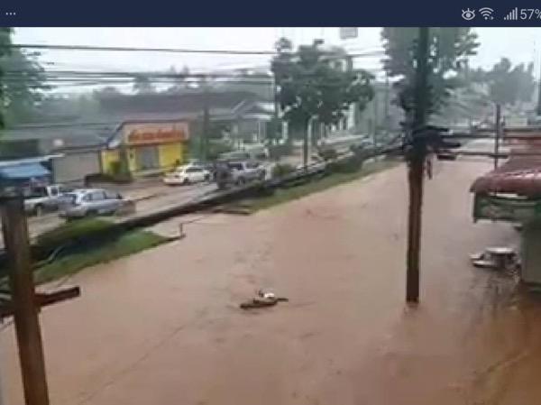 ฝนตกหนัก น้ำท่วมถนนหลายสายในเมืองกระบี่