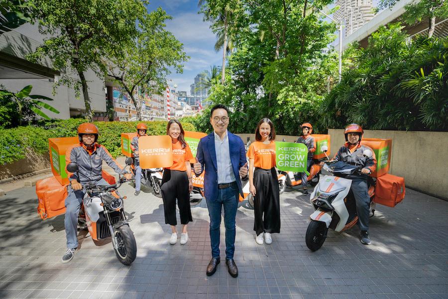 ภาพ - อเล็กซ์ อึ้ง ประธานเจ้าหน้าที่บริหาร บริษัท เคอรี่ เอ็กซ์เพรส (ประเทศไทย) จำกัด (มหาชน) เปิดตัวโครงการ Kerry Grow Green