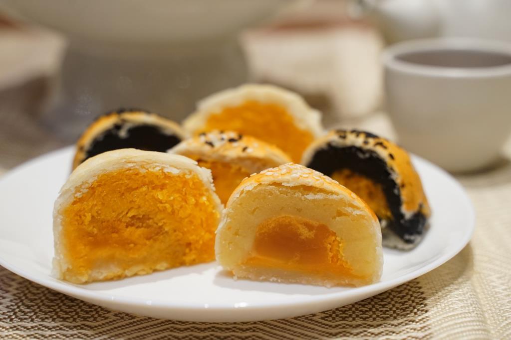 """จัดใหญ่ """"เทศกาลไหว้พระจันทร์"""" ที่ไอคอนสยาม รวมร้านขนมเปี๊ยะ-ขนมไหว้พระจันทร์จากทั่วไทย"""
