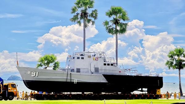 """""""เรือของพ่อ ต.91"""" มนต์เสน่ห์แห่งอ่าวดงตาล แลนด์มาร์กท่องเที่ยวใหม่เมืองสัตหีบ"""