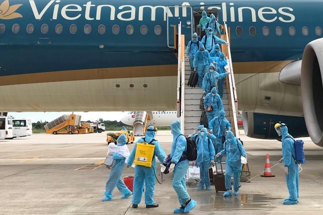 เวียดนามเคาะค่าธรรมเนียมเรียกเก็บต่างชาติขณะกักตัวที่ศูนย์ของรัฐขั้นต่ำ 160 บาทต่อวัน