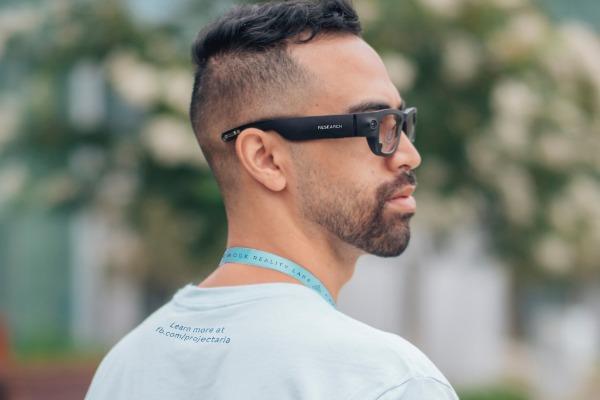 Facebook นับถอยหลังเปิดตัวแว่นตา AR รุ่นแรก ภายใต้แบรนด์ Ray-Ban