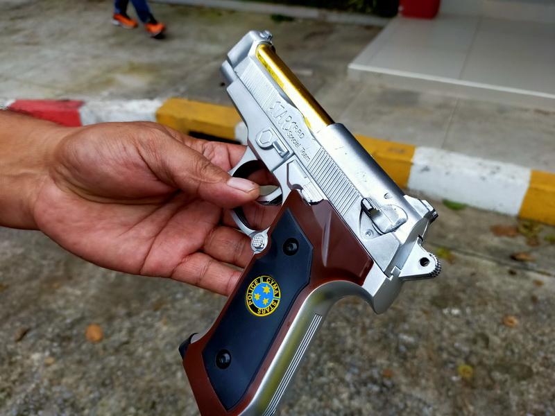 อย่าหาทำ!หนุ่มอุดรฯถูกญาติเมียด่าคว้าปืนปลอมขู่ทั้งที่อยู่ในโรงพยาบาล สุดท้ายถูกจับปรับ