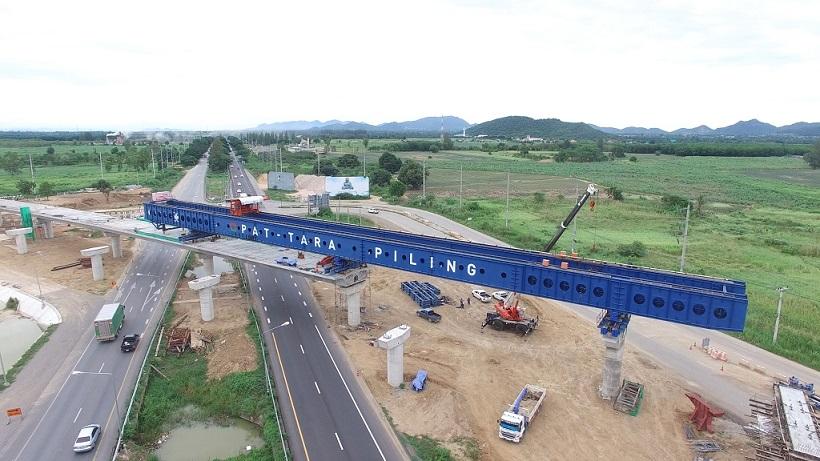 สะพานต่างระดับหัวหินคืบหน้า 65% เสร็จกลางปี 64 แก้รถติด-ลดอุบัติเหตุ