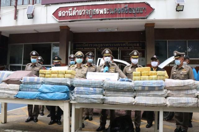 ผบช.1 ลงพื้นที่กรุงเก่าโชว์ผลงาน ตำรวจกรุงเก่า ขบวรการขนยาบ้าข้ามภาค กว่า 6 ล้านเม็ด