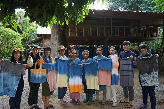 โครงการส่งเสริมสินค้าชุมชนไทยจากภูมิปัญญาชาวบ้าน