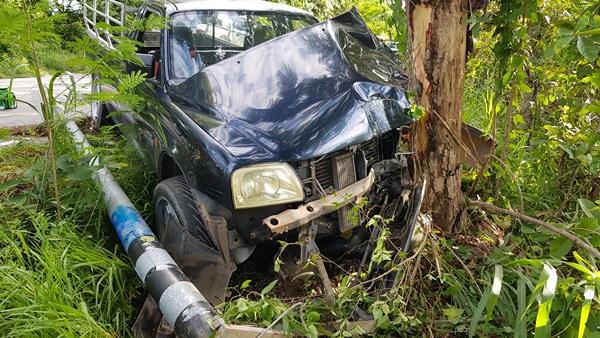 หนุ่มเมืองเพชรบุรี ซิ่งกระบะเสียหลักชนท้าย จยย.รปภ.ดับคาที