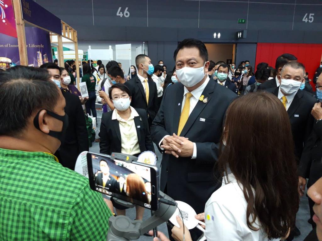 'สุชาติ' ปลื้ม งาน Job expo 3 วัน รอบรรจุงานกว่า 2.4 แสนคน