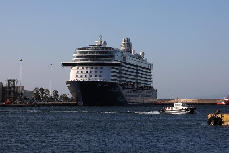 งานเข้า!เรือสำราญบรรทุกผู้โดยสาร920คน ตรวจพบลูกเรือติดเชื้อโควิด-19