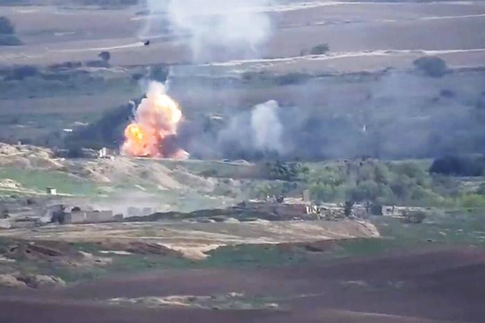 สงครามส่อบานปลาย 'อาร์เมเนีย'แถลง 'เครื่องบิน ซู-25' ของตนถูกสอยร่วง โดยฝีมือ 'เอฟ-16' ของตุรกีที่มาช่วยอาเซอร์ไบจานโจมตีทิ้งระเบิด