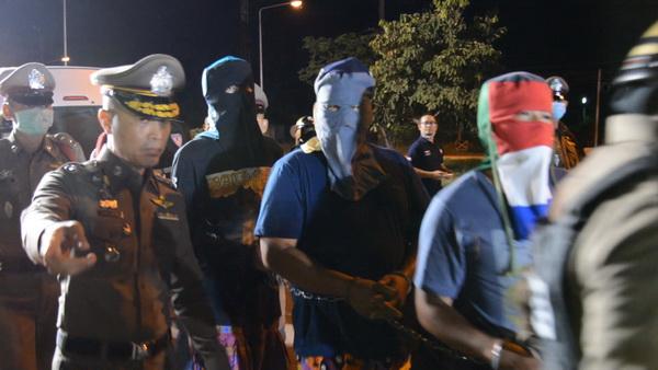 ตำรวจอุดรฯโชว์ผลงานจับแก๊งยาบ้าพร้อมของกลางกว่า 200,000 เม็ด