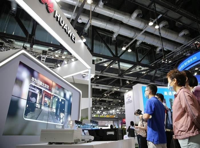 'หัวเหวย' แซง 'ซัมซุง' รั้งแชมป์โลกในตลาด 'สมาร์ตโฟน5G'