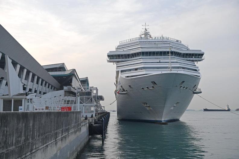 นักวิจารณ์ค้านสิงคโปร์จัดแคมเปญ 'ล่องเรือสำราญชมวิว' ชี้เสี่ยงทำ 'โควิด' ระบาดซ้ำ!!