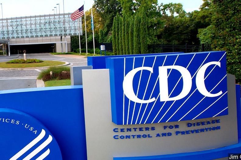 CDC ปรับคำเตือน! ชี้โควิด-19 แพร่ได้ไกลกว่า 6 ฟุต-แขวนลอยในอากาศนาน 'หลายชั่วโมง'