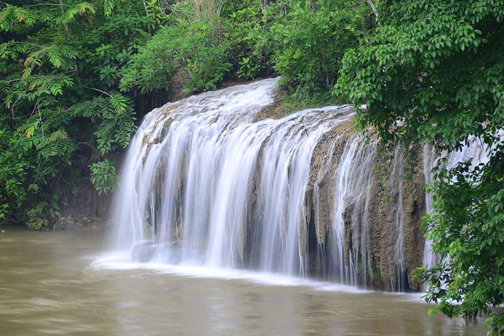 น้ำตกไทรโยคใหญ่ (ภาพจากเพจ อุทยานแห่งชาติไทรโยค)