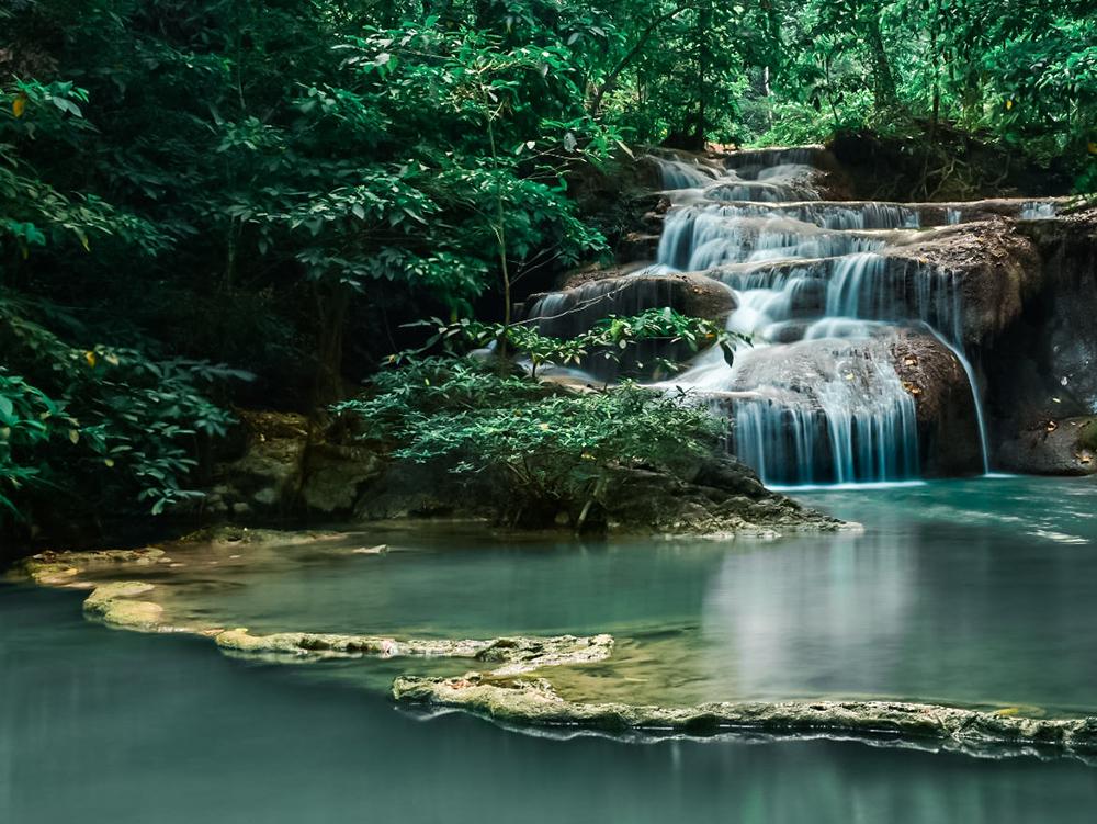 น้ำตกเอราวัณ (ภาพจากเพจ อุทยานแห่งชาติเอราวัณ)