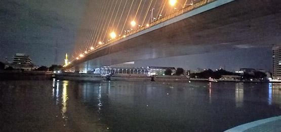 ชายหญิงจับมือโดดพานพระราม 8 จมหายในแม่น้ำเจ้าพระยา