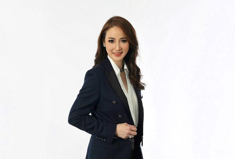 นางสาวยุพาพิน วังวิวัฒน์ กรรมการบริหารและประธานเจ้าหน้าที่บริหารด้านการเงิน บริษัท กัลฟ์ เอ็นเนอร์จี ดีเวลลอปเมนท์ จำกัด (มหาชน) หรือ GULF