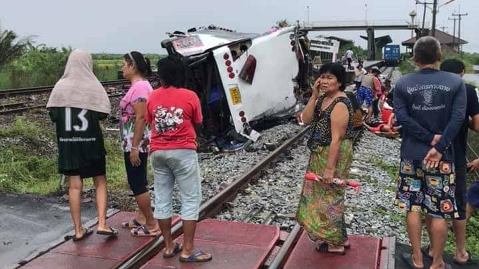 """บทเรียนซ้ำซาก """"จุดตัดทางรถไฟมรณะ"""" ปัญหาเดิมที่ควรจะแก้ได้"""