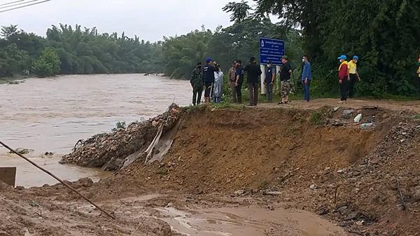พ้นวิกฤติ!! สถานการณ์การน้ำป่าใน 3 อำเภอ จ.ราชบุรี  เริ่มลดลง