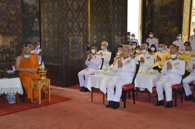 ประธานองคมนตรี ประกอบพิธีทอดผ้าป่า สมทบทุนโครงการเล่าเรียนหลวงสำหรับพระสงฆ์ไทย