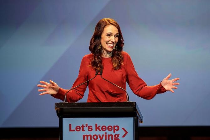 นายกฯนิวซีแลนด์คว้าชัยครั้งใหญ่ศึกเลือกตั้ง สามารถจัดตั้งรัฐบาลพรรคเดียว