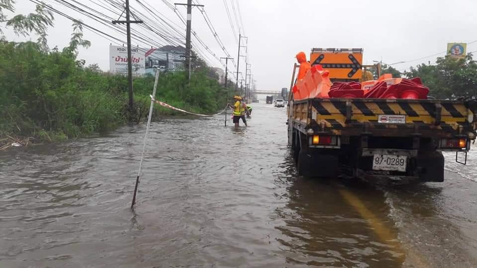 ถนนทล-ทช.ใน 7 จังหวัดถูกน้ำท่วมแล้ว 27 แห่ง แต่รถยังผ่านได้