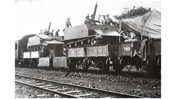 ขนอาวุธหนักใส่รถไฟไปยิงไทยกันเอง